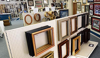 Picture Frames, Huntsville, AL Store Display Photo - Pic A Frame