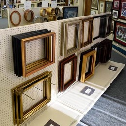 Photo Of Frames At Decatur, AL Shop - Pic A Frame